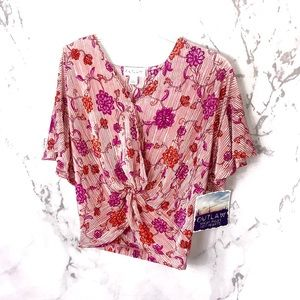 NWT OUTLAW Floral ribbed v neck pink shirt